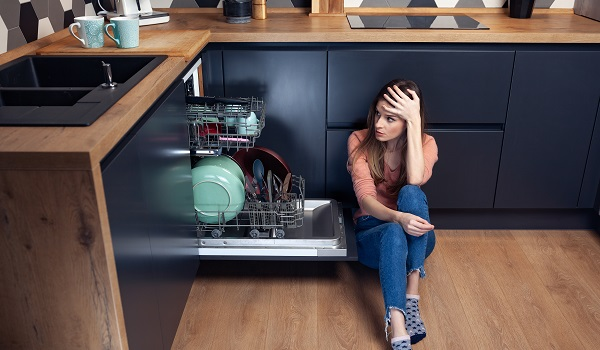 4 Tips for a Frigidaire Dishwasher Not Draining Water